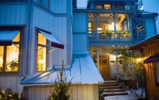 Vinter på Lilla hotellet, Nora